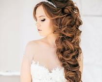 Греческий стиль в современных причёсках на длинных волосах
