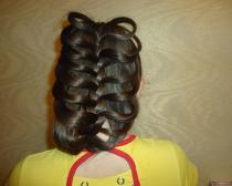 Хотите сделать прическу на длинные волосы своими руками, но не знаете как? Мы расскажем с чего начать