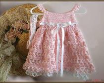 Вяжем детскую одежду крючком: платье и бандана для девочки до года