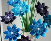 Цветы и ваза из бумаги техникой оригами