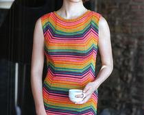 Вязаное радужное платье
