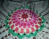 Подушка для иголок с бусинками