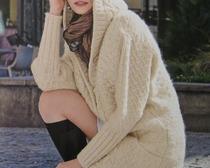 Модели связанных спицами женских пальто