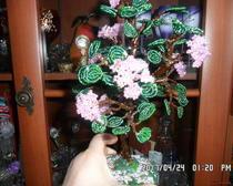 Сиреневое деревце из бисера в горшочке