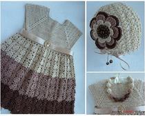 Комплект крючком для девочки в кофейных тонах: шапочка, платье и бусы