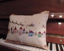 Вышивка крестом подушки на праздник Рождество