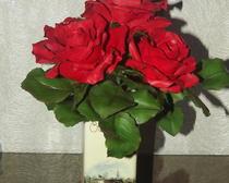 Красные розы из холодного фарфора