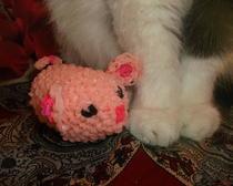 Мышонок из резиночек - любимая игрушка для вашего кота