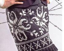 Модная вязаная мини-юбка спицами