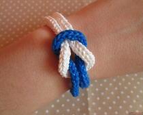 Подарки на Новый год своими руками: браслет «Снежная королева»