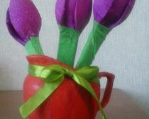 Тюльпаны-конфеты из гофрированной бумаги