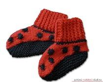 Мы предлагаем различные методы вязания спицами носков своими руками. Теплые, красивые и удобные носочки должна связать каждая рукодельница