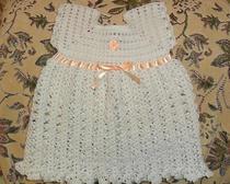 Вязание крючком: ажурное платье для маленькой принцессы