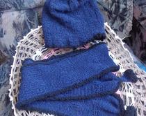 Шапка и шарф связаны спицами