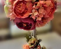 Топиарий из цветков пиона