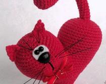 Вязание влюбленного котика амигуруми в форме сердечка ко Дню Святого Валентина: 2 мастер-класса