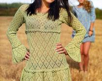 Зеленое ажурное платье спицами