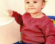 Детский свитер брусничного цвета
