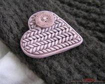 Брошь из полимерной глины с имитацией вязания