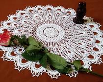 Вязание крючком: красивая белая салфетка