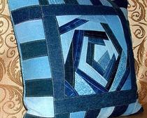 Декоративные подушки из джинсы