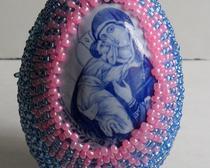 Пасхальное яичко украшенное бисером