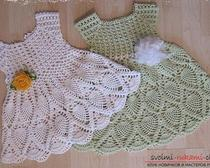 Две модели летних платьев крючком для девочки 3 лет: описание и фото