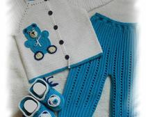 Вязание крючком: детский костюмчик «Мишка на льдинке»