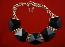 """Ожерелье """"Магия черного камня"""""""