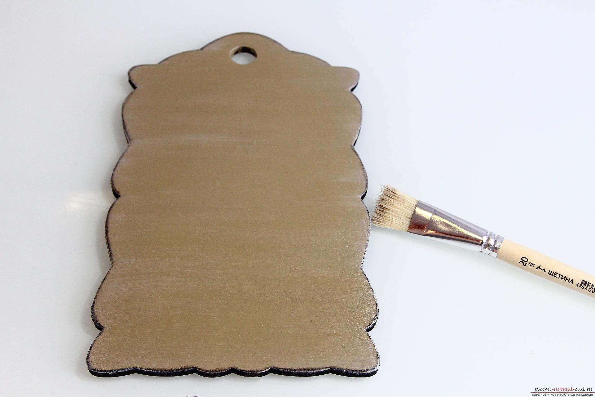 Мастер-класс описывает как декорируется разделочная доска своими руками с использованием техники декупаж.. Фото №17
