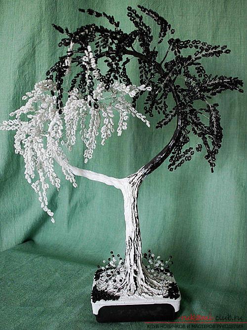 Дерево из бисера черно белое своими руками