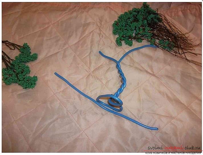Как сделать дерево бонсай из бисера своими руками, несколько мастер классов создания бонсай в разных цветовых решениях, пошаговые фото и описание. Фото №8