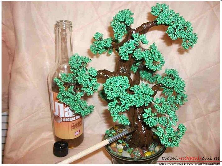 Как сделать дерево бонсай из бисера своими руками, несколько мастер классов создания бонсай в разных цветовых решениях, пошаговые фото и описание. Фото №12