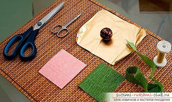 Как сделать букет из конфет своими руками, несколько подробных мастер классов в стиле свит-дизайна, пошаговые фото и подробное описание работы. Фото №11