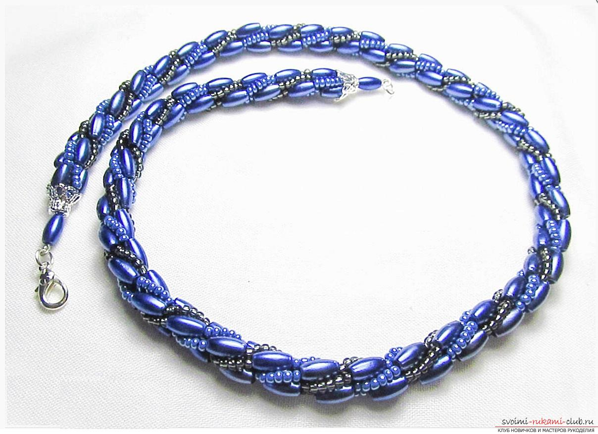 Как создать жгут из бисера, различные техники плетения и вязания жгутов, пошаговые фото и подробное описание работы. Фото №5