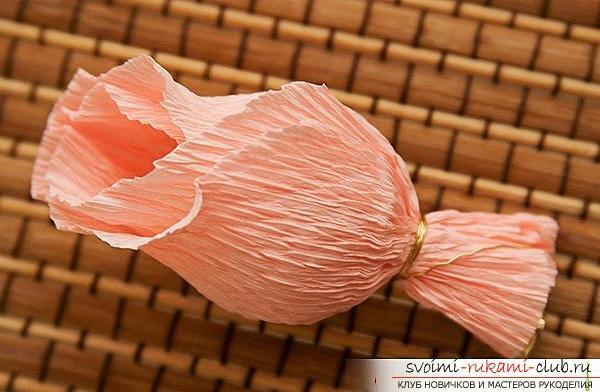 Как сделать букет из конфет своими руками, несколько подробных мастер классов в стиле свит-дизайна, пошаговые фото и подробное описание работы. Фото №19