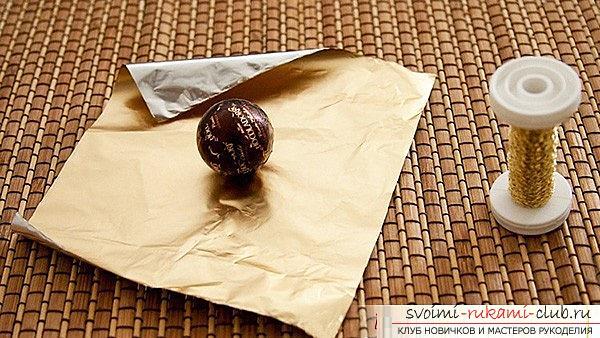 Как сделать букет из конфет своими руками, несколько подробных мастер классов в стиле свит-дизайна, пошаговые фото и подробное описание работы. Фото №12