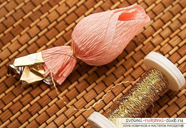 Как сделать букет из конфет своими руками, несколько подробных мастер классов в стиле свит-дизайна, пошаговые фото и подробное описание работы. Фото №18