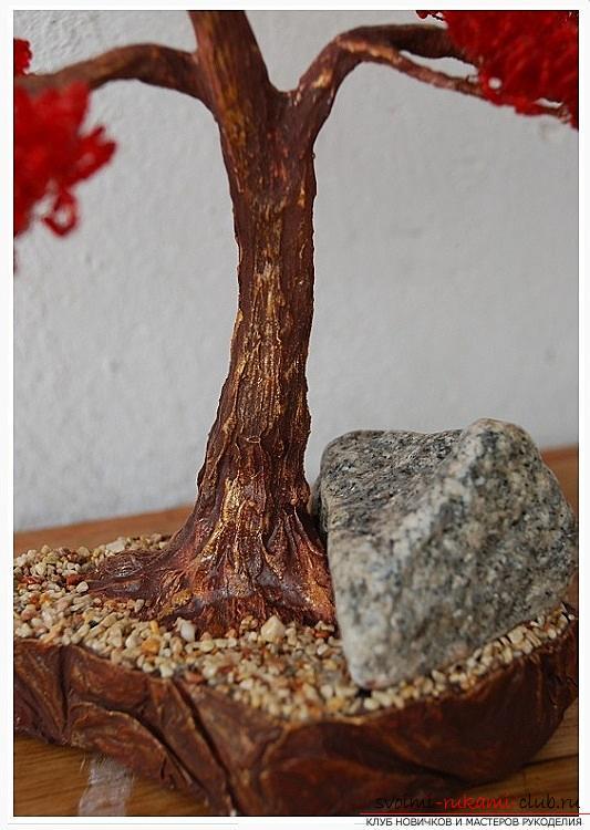 Как сделать дерево бонсай из бисера своими руками, несколько мастер классов создания бонсай в разных цветовых решениях, пошаговые фото и описание. Фото №28