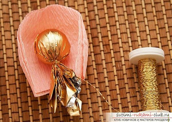 Как сделать букет из конфет своими руками, несколько подробных мастер классов в стиле свит-дизайна, пошаговые фото и подробное описание работы. Фото №17
