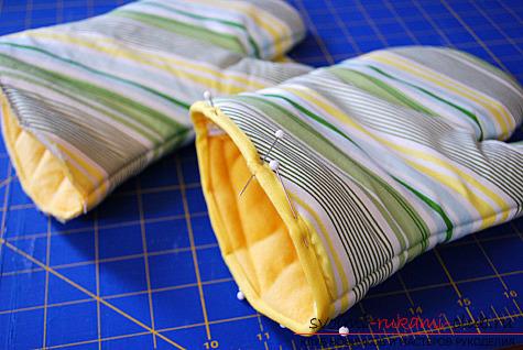 фото инструкция по пошиву варежек-прихваток для кухни своими руками. Фото №11