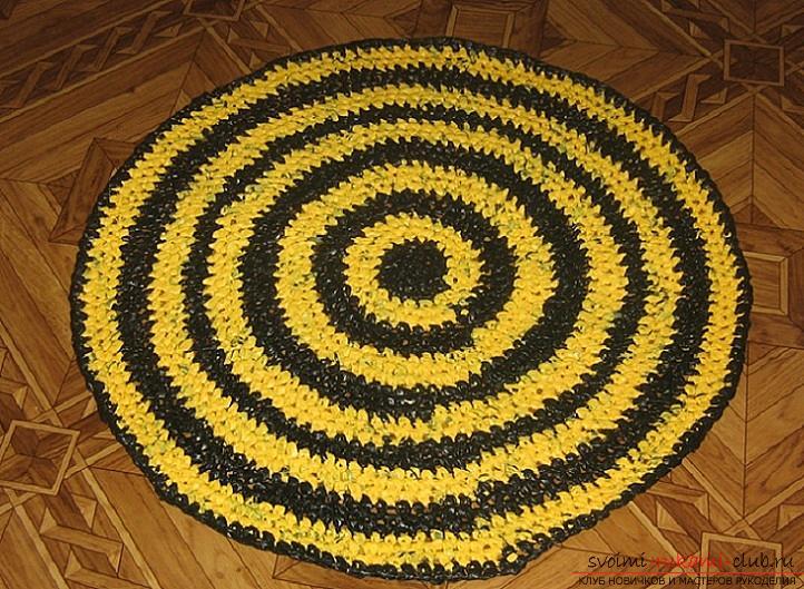 Схемы, фото и подробное описание, как связать коврики своими руками крючком.. Фото №9