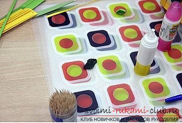 Как сделать цветочную композицию в технике квиллинг для открытки? Мастер-класс. Фото №9