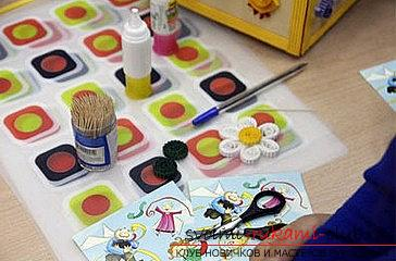 Как сделать цветочную композицию в технике квиллинг для открытки? Мастер-класс. Фото №8