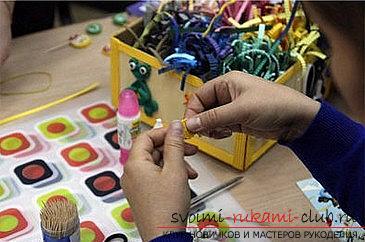 Как сделать цветочную композицию в технике квиллинг для открытки? Мастер-класс. Фото №5