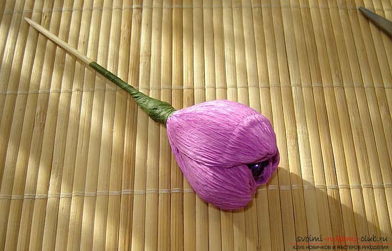 Как сделать букет полевых цветов в свит дизайне, пошаговые фото создания мака, ромашки, цветка подсолнечника, василька и крокуса. Фото №39