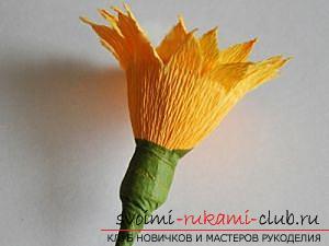 Как сделать букет полевых цветов в свит дизайне, пошаговые фото создания мака, ромашки, цветка подсолнечника, василька и крокуса. Фото №25