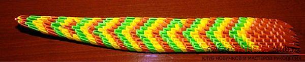 Как создать поделку в технике модульного оригами - змейка, пошаговые фото и подробное описание процесса создания модуля и поделки в целом. Фото №6