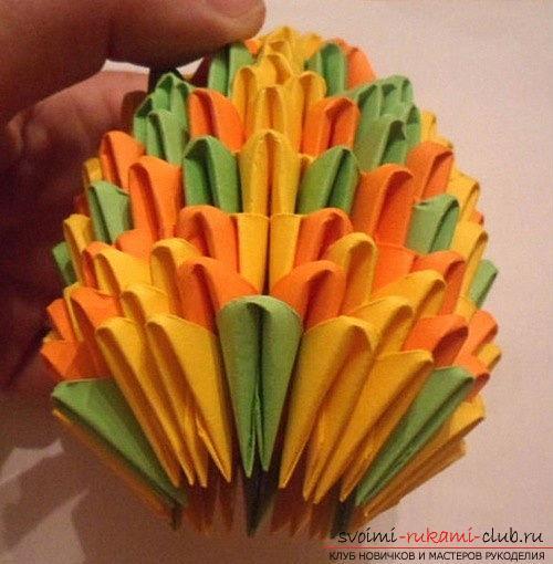 Как сделать сувенир с пасхальной тематикой в технике модульного оригами, пошаговые фото и описание создания пасхального яйца. Фото №22