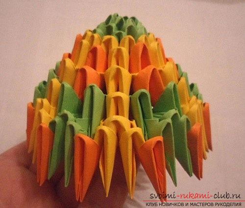 Как сделать сувенир с пасхальной тематикой в технике модульного оригами, пошаговые фото и описание создания пасхального яйца. Фото №15